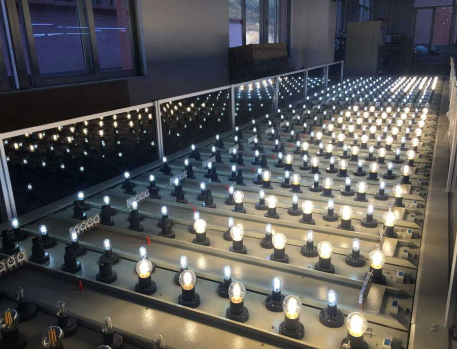 LED Filament bulb aging test